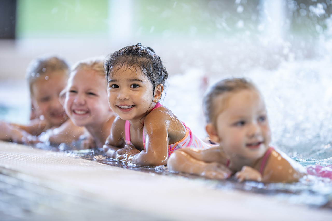 Why Choose Low-Ratio Group Swimming Lessons For Your Kids?